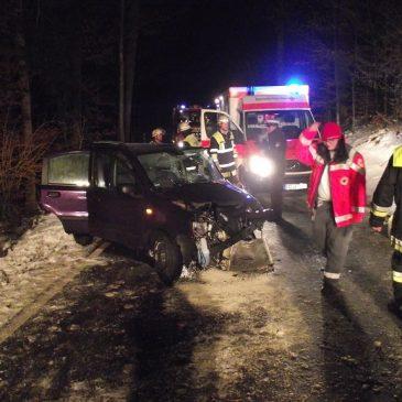 Verkehrsunfall – zwischen Glonn und Moosach