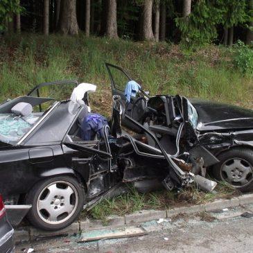 Verkehrsunfall zwischen Glonn und Schlacht
