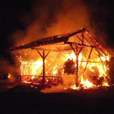 Grossbrand einer landwirtschaftlichen Halle