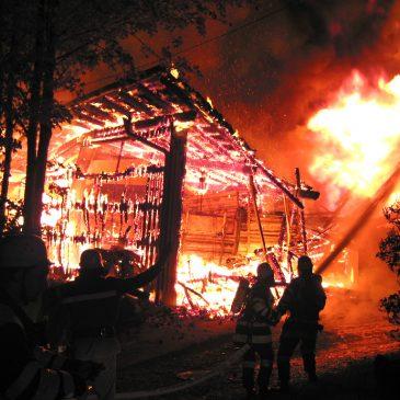 Grossbrand in landwirtschaftlichem Anwesen