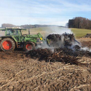 Brand einer landwirtschaftlichen Fläche in Glonn