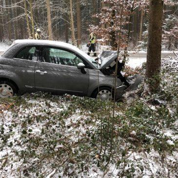 Verkehrsunfall wegen Glätte